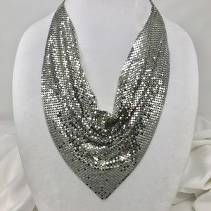 MESH BIB NECKLACE